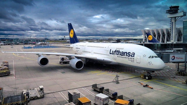 Thieves Steal US$5 million in Cash From Lufthansa Cargo Plane on
