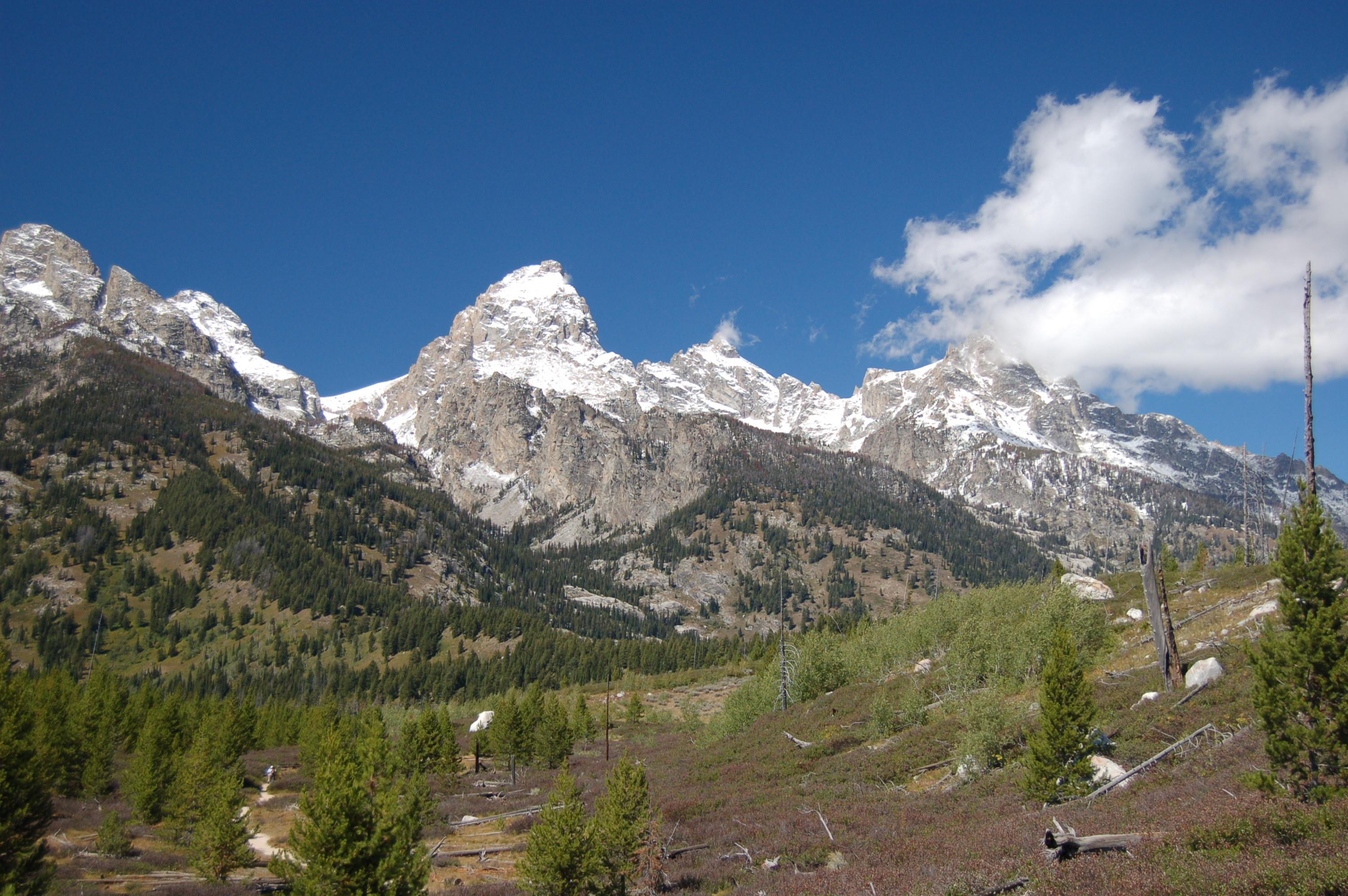 Fall Mountain Lake Wallpaper Rangers Respond To A Climbing Fatality On The Grand Teton