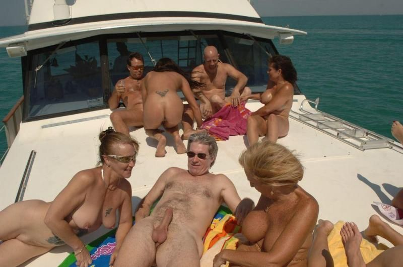 houseboat party nude