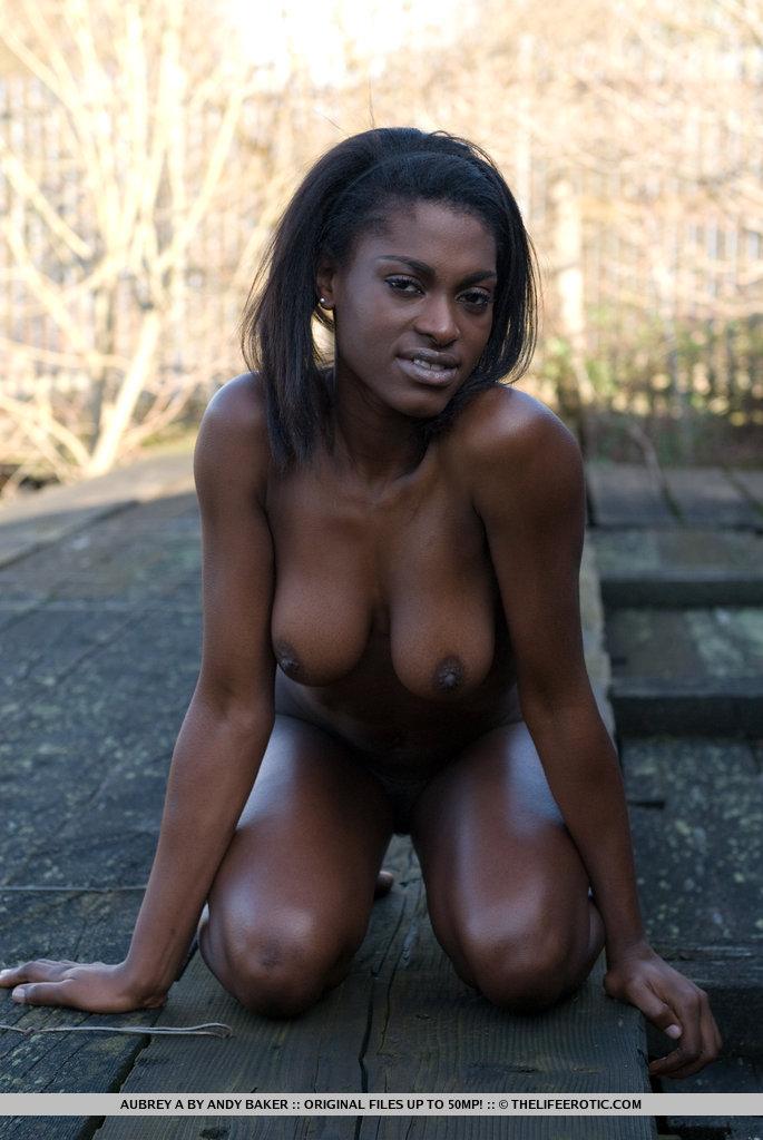 africa black naked girl ass