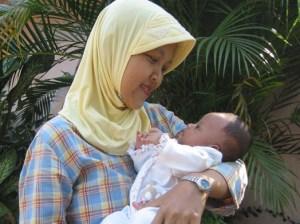 Bener2 jarang foto bareng nih waktu baru punya baby, ga sempet narsis :)