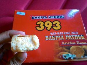 Bakpia Pathuk 393 : Satu Box Bisa Aneka Rasa