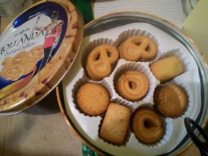 Hollanda Butter Cookies  Garuda Food : Rasa Kurang Istimewa