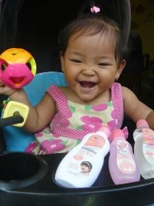 11 Bulan Baby Anindya : Gigiku 6, Gigit-Gigit Makin Kenceng!