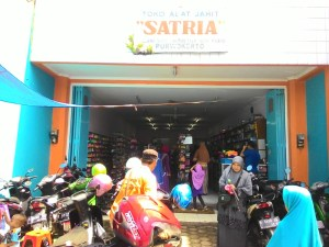 Toko Satria Purwokerto : Jual Bahan Kraft & Alat Jahit