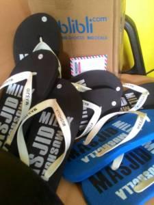 Sandal Untuk Masjid & Voucher Belanja, Hadiah Kuis Ramadhan Neng Isni