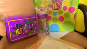 Merchandise Official Hi5 :  Hadiah Love Dance Bebelac