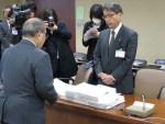 松代大本営工事・説明文の撤回を要請…20,327名の署名提出