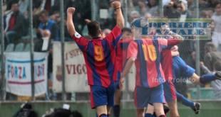 Foto di Roberto Proietto per Nuovo Corriere Laziale FotoSport | Esultanza dei Giovanissimi Elite della Vigor Perconti dopo il gol di Di Bari