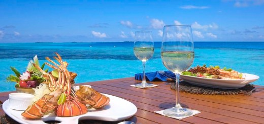 medhufushi-island-resort-beach-lunch