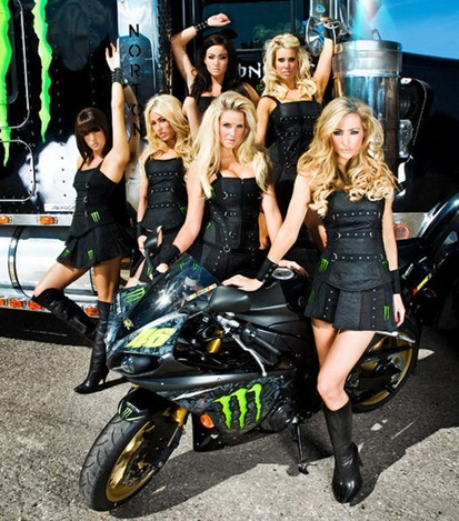Monster-Energy-Girls-1