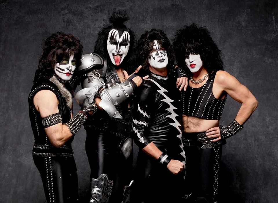 Legendary Rockers, KISS To Play Walmart AMP