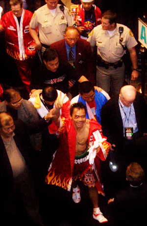 http://i0.wp.com/www.nwasianweekly.com/wp-content/uploads/2013/32_51/sports_pacquiao.jpg?resize=300%2C460