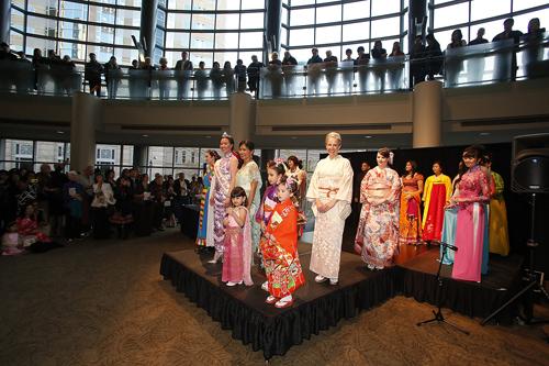 http://i0.wp.com/www.nwasianweekly.com/wp-content/uploads/2014/33_14/blog_costumes.JPG?resize=500%2C333