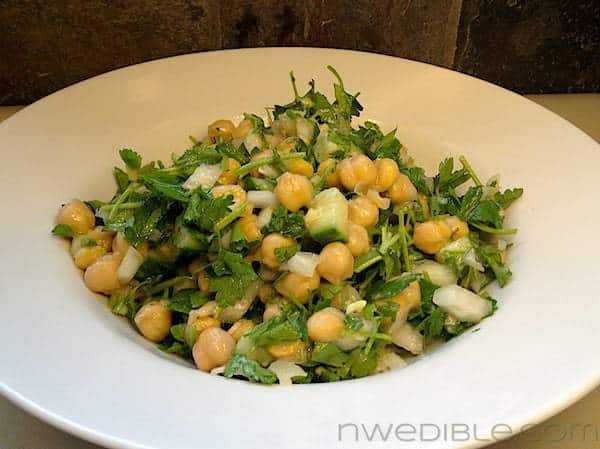 Fast Marinated Chickpea and Parsley Salad