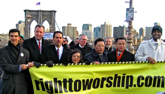 Bill De Blasio ( 2nd left), Councilman Fernando Cabrera, Pastor Bill Devlin, Pastor Rick Del Rio (2nd right), Comptroller John Liu