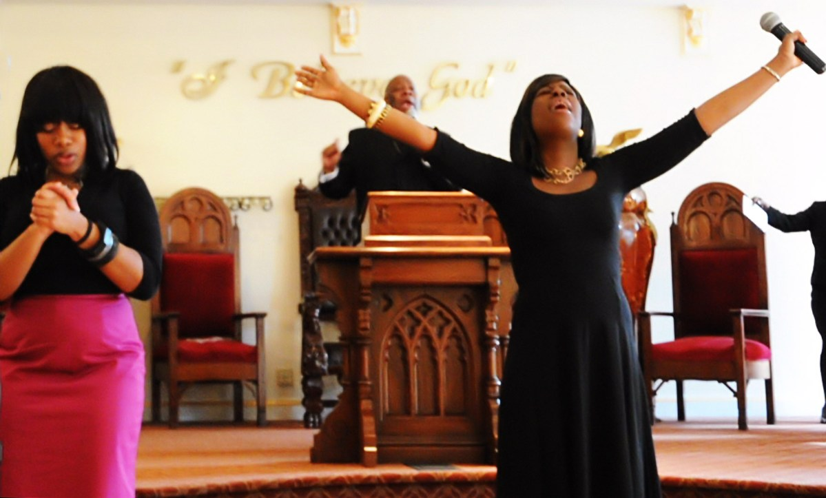 God's Row, Bedford Avenue, Brooklyn: New Life Tabernacle & the Gospel Swagger