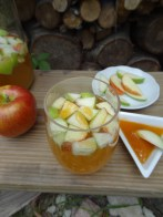 Welcome Autumn with these delicious Sparkling Apple Cider Recipes - click the link -
