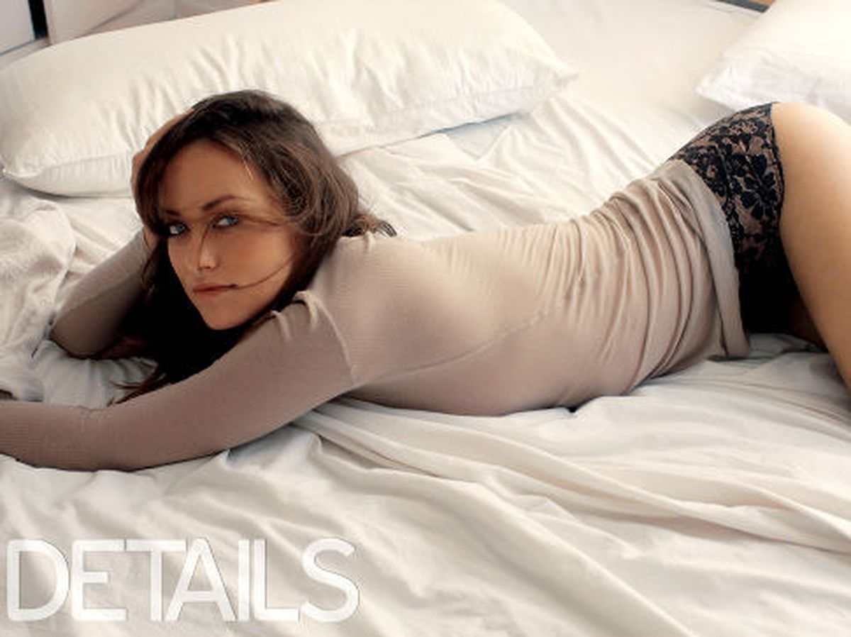 Ny Giants Girls Wallpaper Tron Legacy Star Olivia Wilde Goes Sheer And Pantless