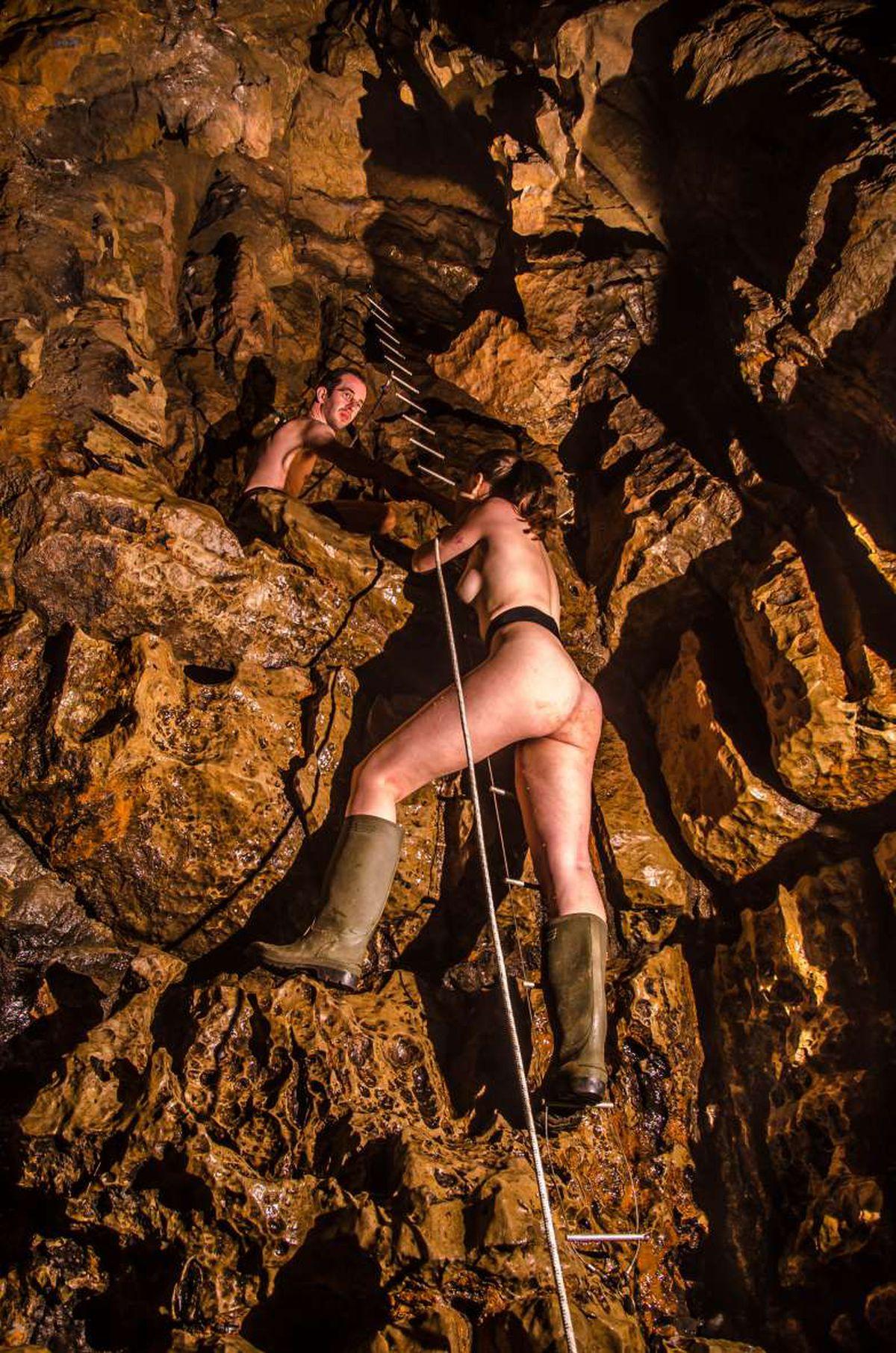 Hockey Girl Wallpaper Cavers Strip Down Underground For Nude Charity Calendar