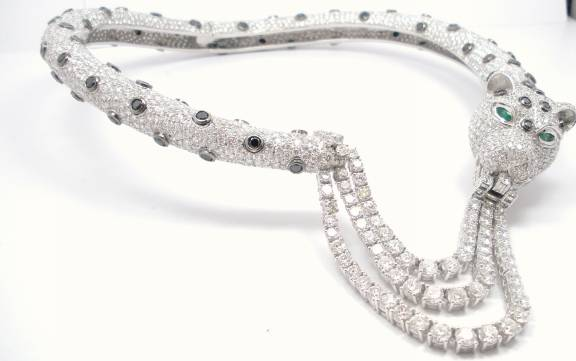 Ladies Cartier Design Diamond Panther Necklace In 18kt