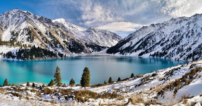 mountains_Abkhazia_in_winter