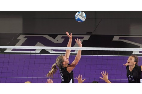 Women's volleyball returns from round robin with 2-1 UAA record