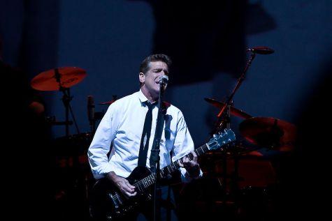 Eagles guitarist Glen Frey teaches Steinhardt students the art of songwriting