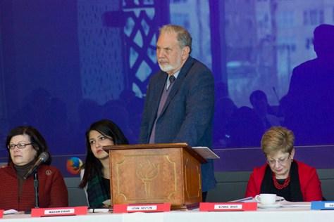 University members discuss usual topics at senate meeting