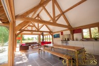 Luxury bespoke oak roofs, oak trusses and oak roof rafters ...