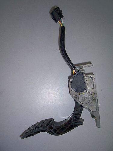 P2135 Code Throttle/Pedal Pos Sensor/Switch A / B Voltage Correlation
