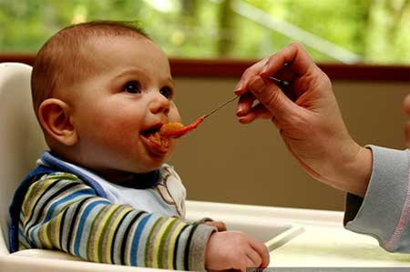 Alimentação de crianças pequenas - o que elas podem comer