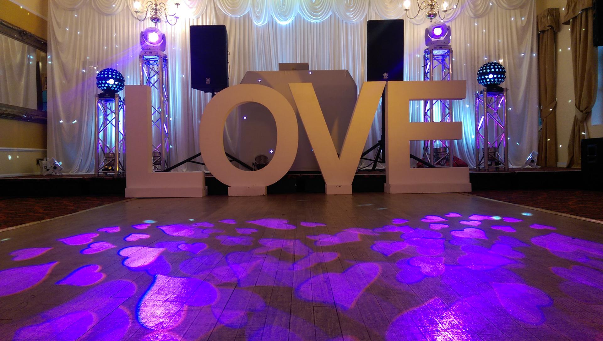 Obsession_entertainment_wedding_photography_wedding_dj_wedding_disco_drapes_lighting_equipment_higher_childrens_party-0038