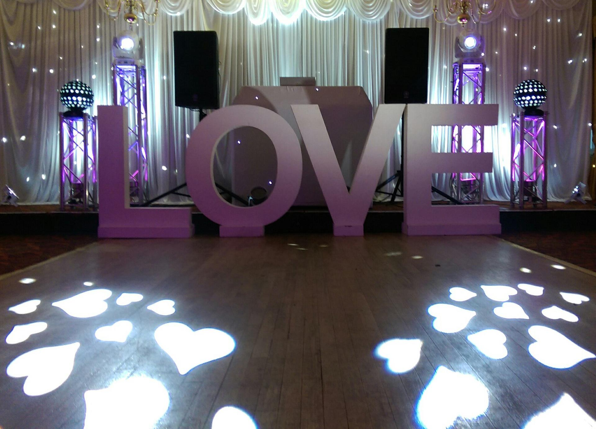 Obsession_entertainment_wedding_photography_wedding_dj_wedding_disco_drapes_lighting_equipment_higher_childrens_party-0041