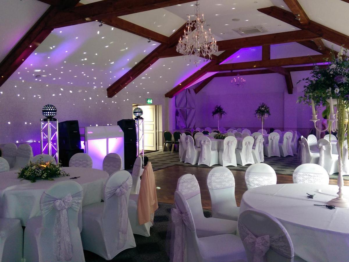 Obsession_entertainment_wedding_photography_wedding_dj_wedding_disco_drapes_lighting_equipment_higher_childrens_party-0067