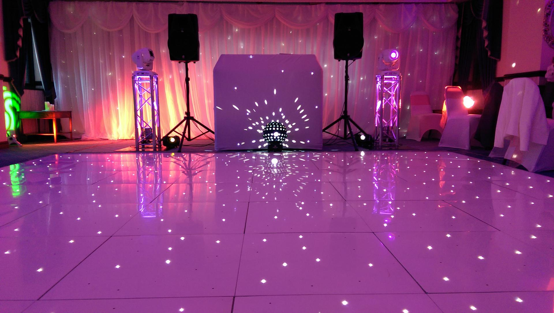 Obsession_entertainment_wedding_photography_wedding_dj_wedding_disco_drapes_lighting_equipment_higher_childrens_party-0070
