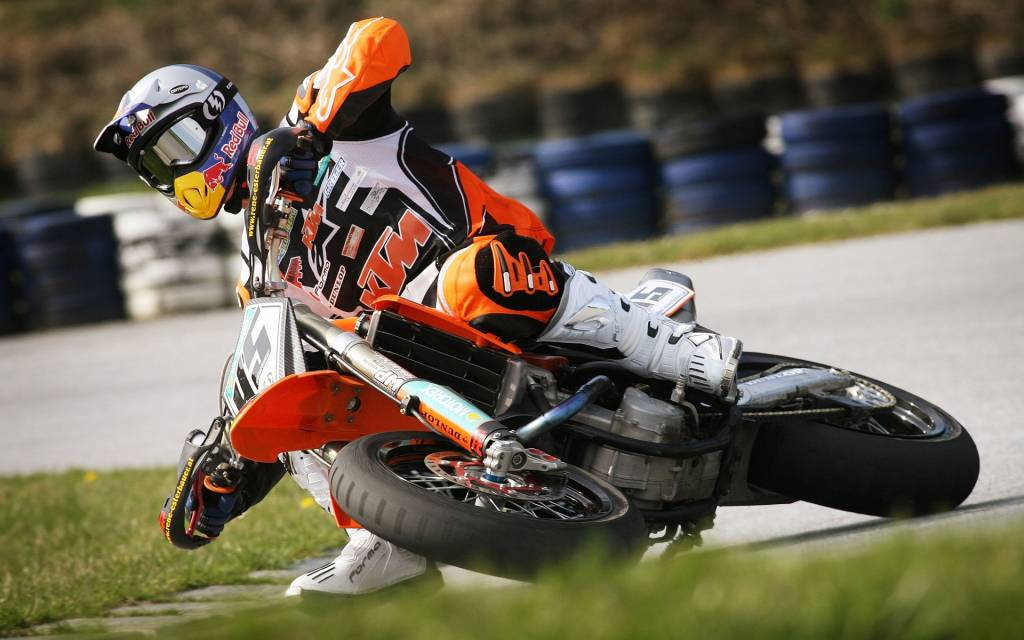 Ktm Motocross Wallpaper Hd Supermotard Moto Cross Ou Enduro Avec Des Pneus De Route