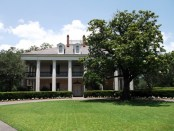 new-orleans-plantation-house