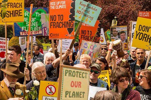 fracking-protest-02