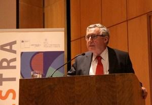 El Rector Ennio Vivaldi fue parte de la inauguración del encuentro, cita en la que participaron más de 200 personas.