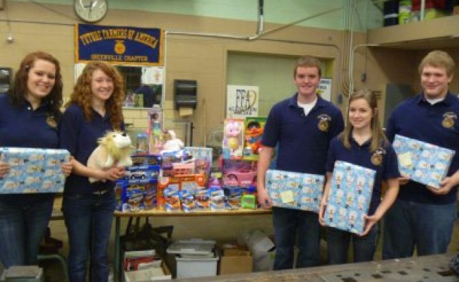 Greenville Ffa Donates To Toys For Tots Ohio Ag Net