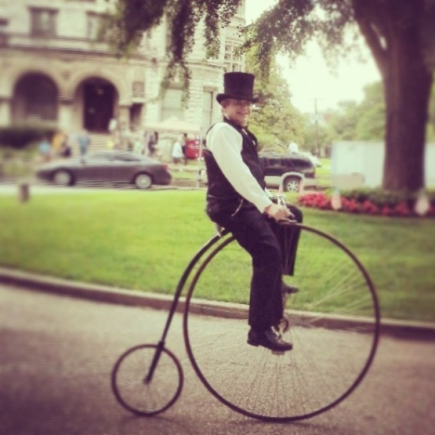 Old School cyclist in Old Louisville