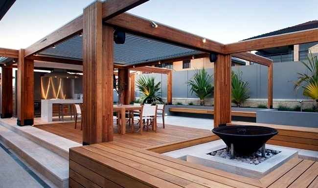 Patio Aluminum And Wood Roof Provides Visibility And Wind