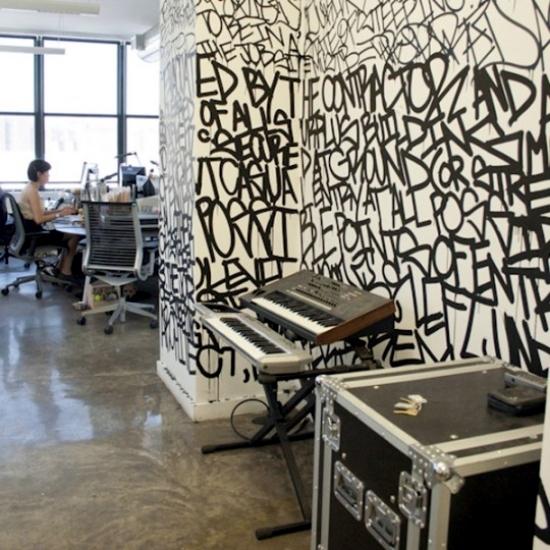 3d Street Art Graffiti Wallpaper Use Graffiti As A Wall Decoration Invite Street Art At