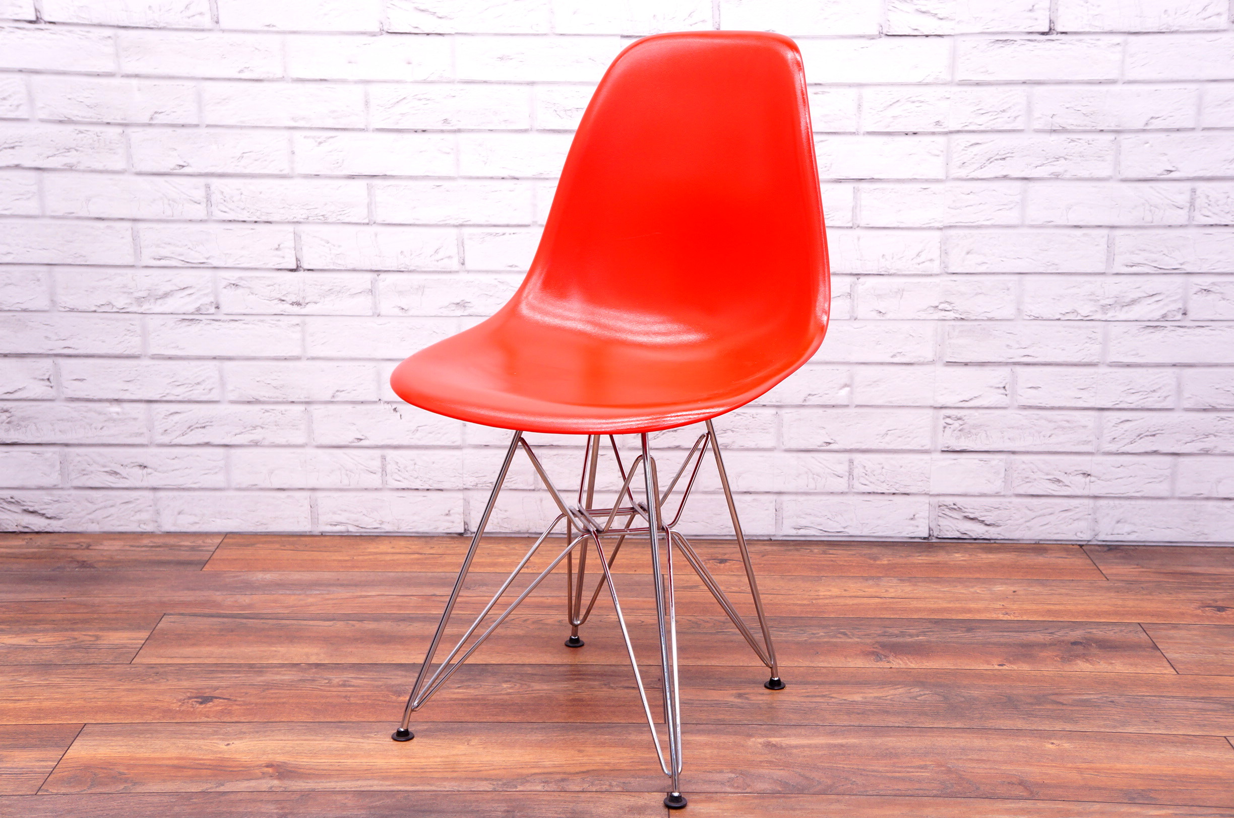 Vitra Dsr Style Chair In Red Office Resale