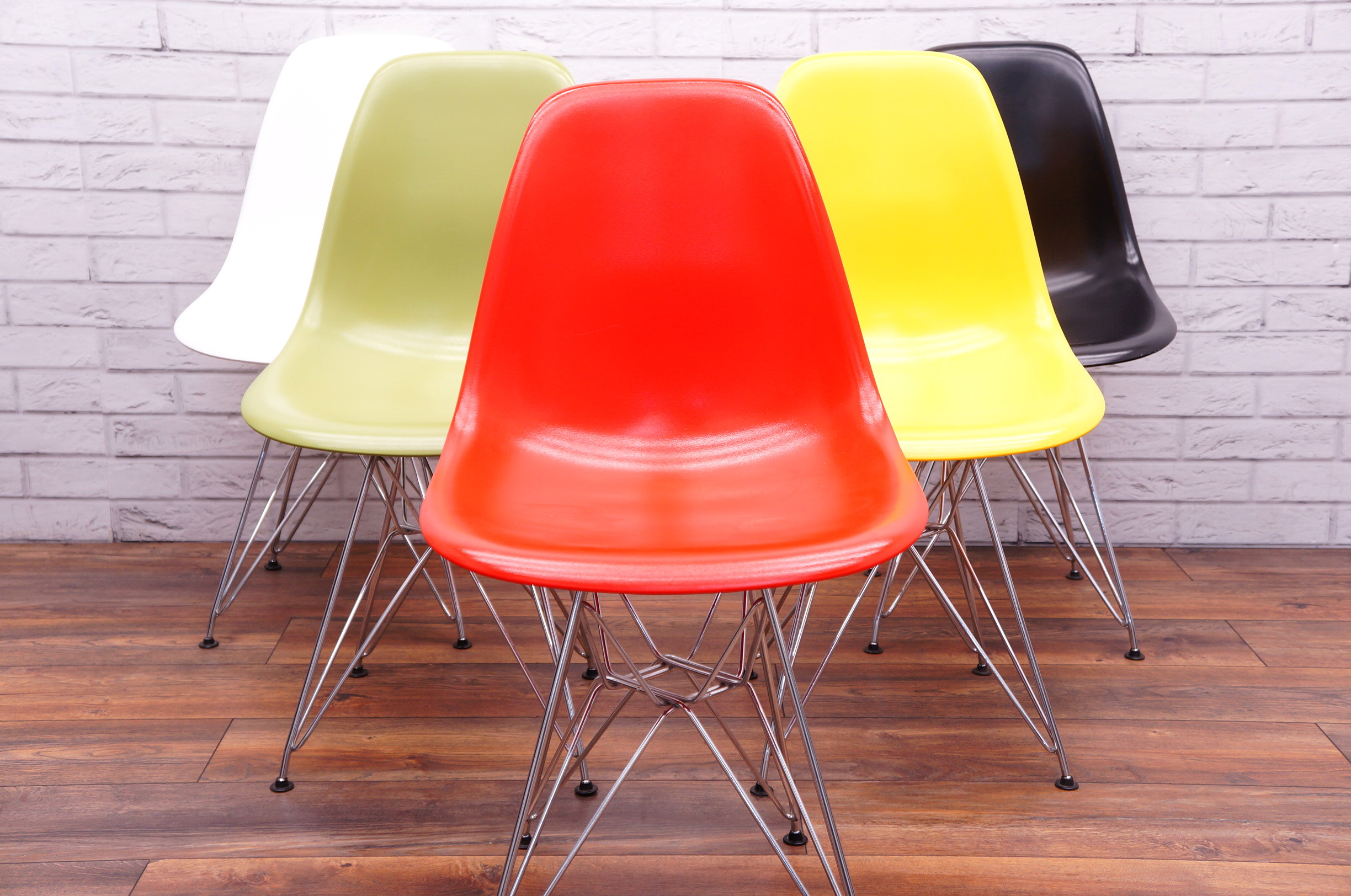 Vitra Dsr Style Chair In Green Office Resale