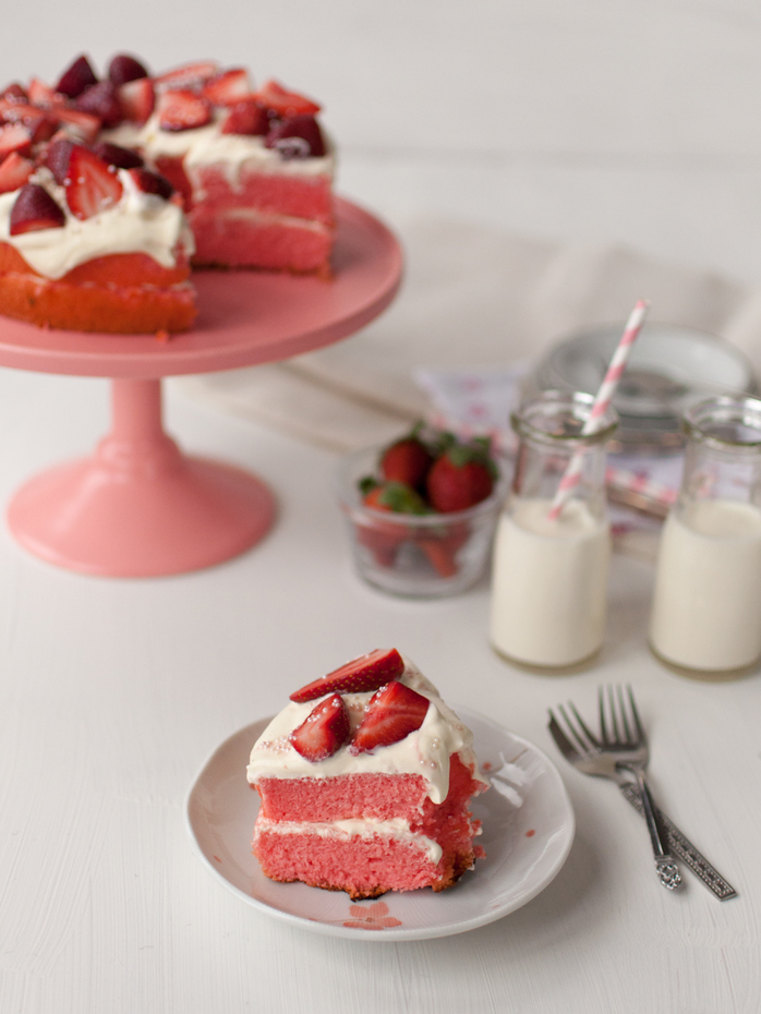 Strawberries and cream chiffon cake * – Off the spork