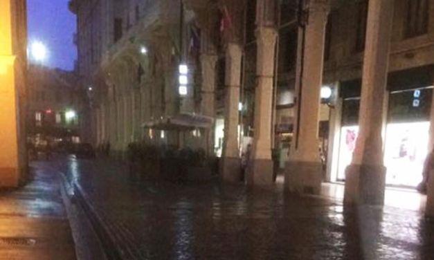 Tortona, prima domenica di shopping natalizio e centro quasi deserto. Bisogna ripensare la città