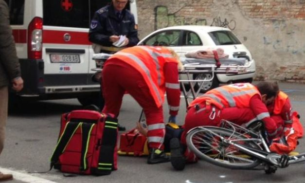 Ciclista investito in corso Italia a Novi, è grave