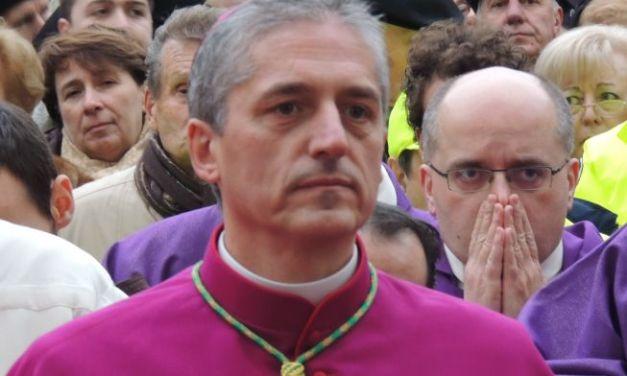 Il vescovo Vittorio Viola all'Unitre di Arquata Scrivia ha parlato dell'enciclica del Papa